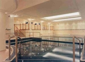 Poolside Fluted Columns, Lighting Troughs and Curved Cornice at the Marriott Hotel, Leeds by Ossett Mouldings